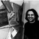Άρης Μερενίδης, ηθοποιός πίσω από τον μπερντέ, σε όλους τους ρόλους που ανήκουν σε φιγούρες